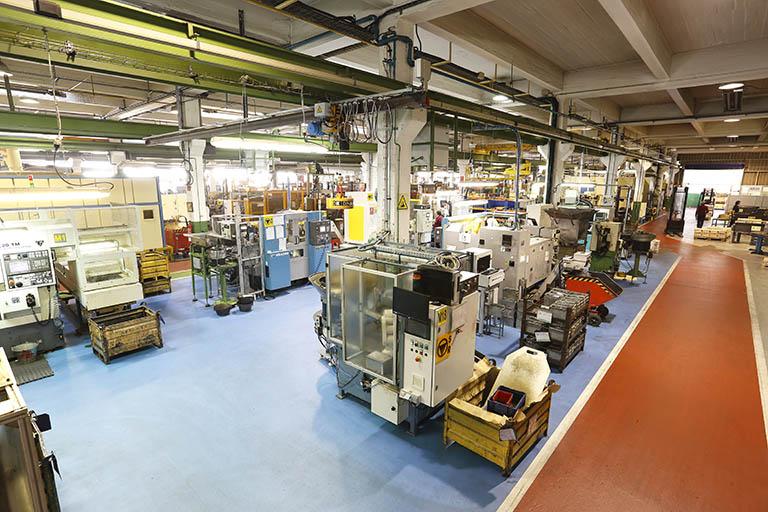 Metagra dispone de prensas con un diámetro de entrada de alambrón de acero de entre 6 y 45mm y una longitud de hasta 300mm.
