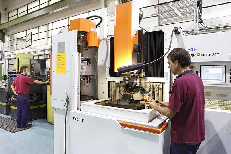 En Metagra contamos con un taller mecánico propio para uso interno